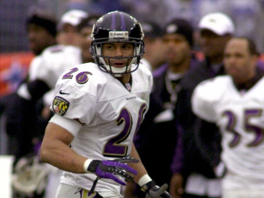 Baltimore Ravens safety Rod Woodson moves against the