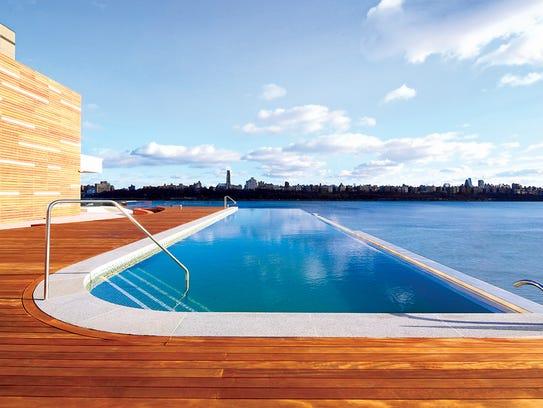 SoJo Spa Club's infinity pool
