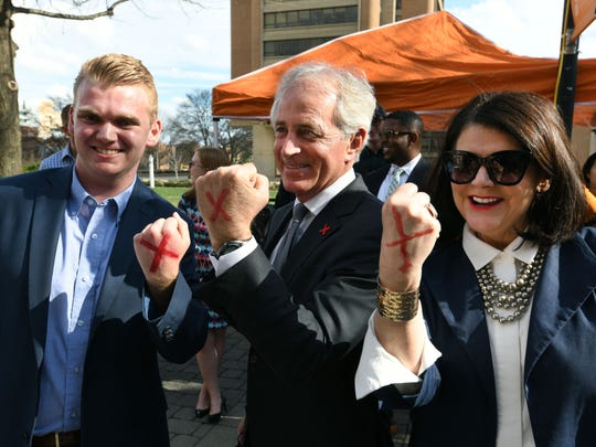 Senator Bob Corker, center, joined with UT Chancellor Beverly Davenport, right, and Turner Matthews, left, at a campus campaign Thursday, Feb. 22, 2018 to raise awareness about modern day slavery and human trafficking.