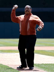 Willie Horton throws out the first pitch before a game