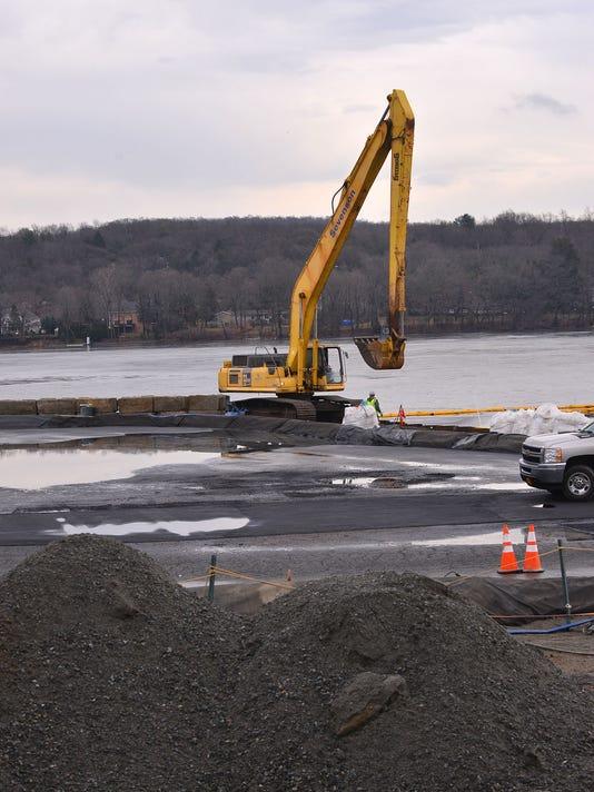 Pompton Lake cleanup