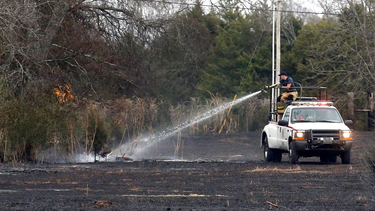 Rutherford County Fire & Rescue as well as surrounding fire departments and other volunteers worked together to put out a large brush fire that occurred in Rutherford County along Manchester Highway.
