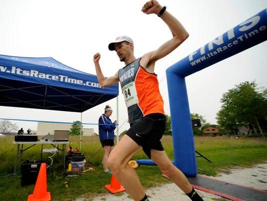-MAN s 0622 HFM Marathon 00670.JPG_20140622.jpg