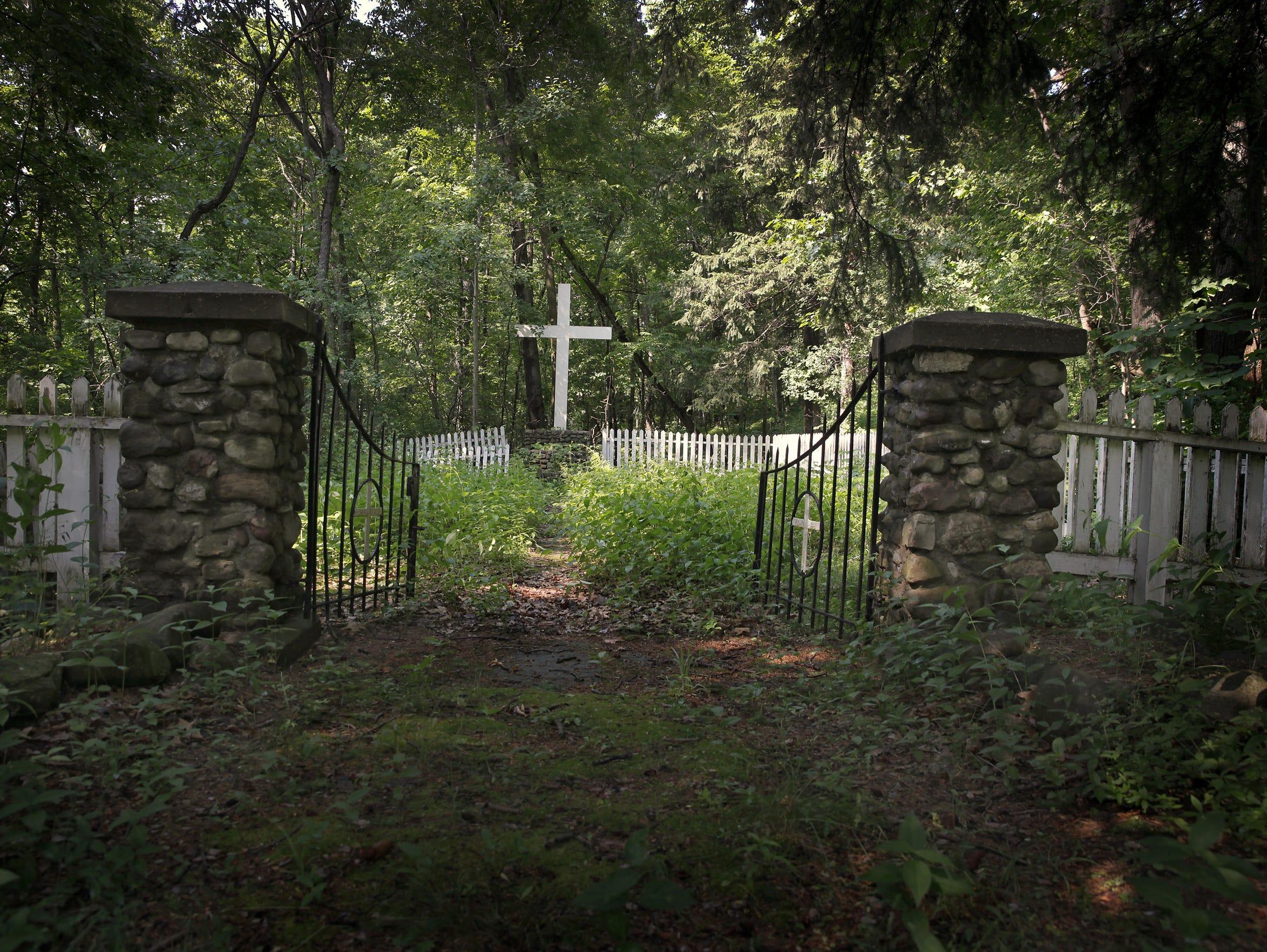AL 070514 industry graveyard B