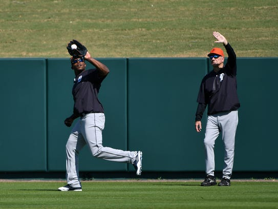 Tigers outfielder Justin Upton makes a running catch