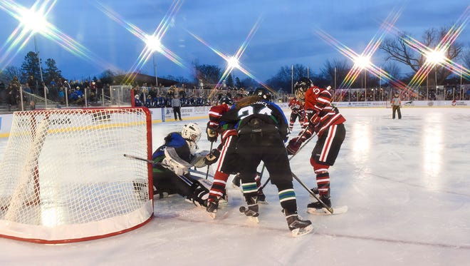 St. Cloud Icebreakers play Sartell/Sauk 