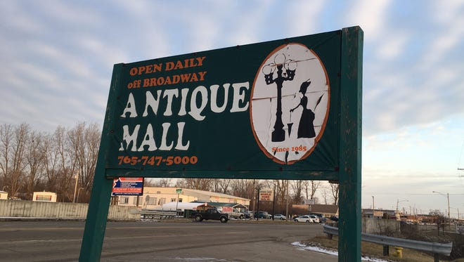 The Off-Broadway Antique Mall on MLK Jr. Boulevard in Muncie is closed, perhaps permanently.