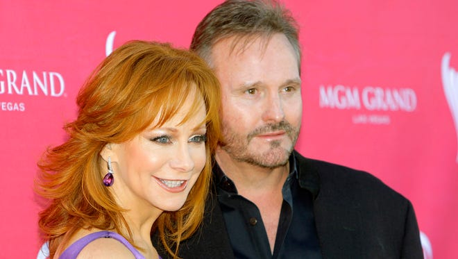 Reba McEntire and Narvel Blackstock at the 44th Annual Academy of Country Music Awards in Las Vegas in 2009.