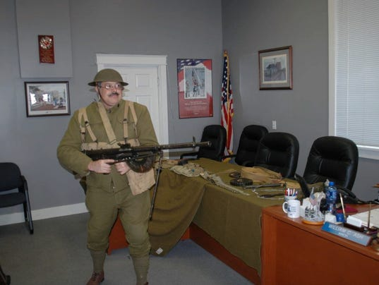 Kevin Reid-WW-I-Photo-w-Chauchat.jpg