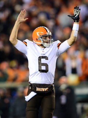Brian Hoyer and the Browns are now tied with the Steelers for first place in the AFC North.