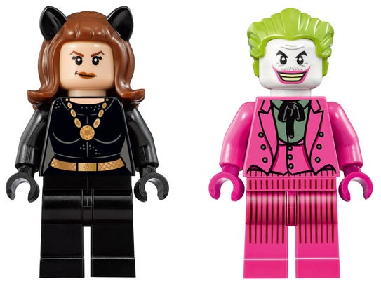 Have a villain teamup with Catwoman and Joker minifigures