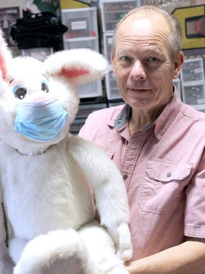 """Rick Fisher and Riley Rabbit are ready for a two-day """"Sharing the Magic"""" event, which starts Friday at the corner of M-86 and Elm Street. Fisher said it will include a magicians' flea market, auction and live performances hourly."""