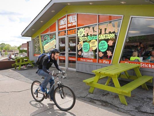 LAF Von's Dough Shack to close