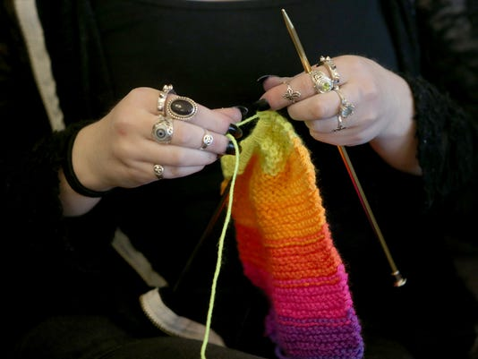 Seinor-knitting-4.jpg
