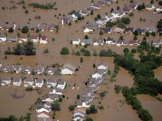 -sky-flood-03.jpg_20100503.jpg