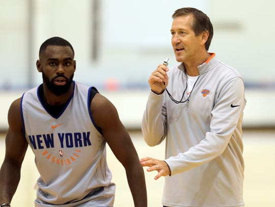 New York Knicks' Jeff Hornacek, right, and Tim Hardaway