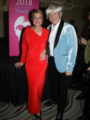 Event Co-Chair and Board Chair Emerita Donna MacMillan (wearing vintage Halston) with honoree Jordan Schnitzer.
