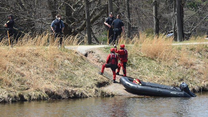 Water rescue from Paterson Rescue 2 and police officers