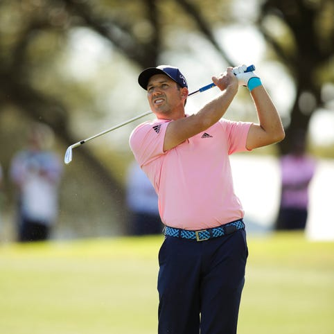 Sergio Garcia confounds golf analysts by taking off his shoes to hit shot