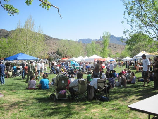 Attendees enjoy the Zion Canyon Earth Day Celebration.
