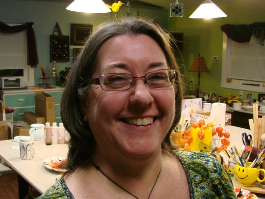 Two Rivers studio artist Amy Zander hosts Art Night at the Lighthouse Inn every month.