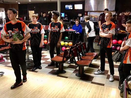 Bowling team finishes with three championships PHOTO CAPTION