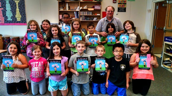 Bill Schoff with some of his biggest fans, his Plank Road North second graders (photo: S. Rosenberry)