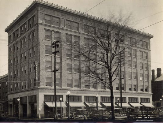JCPenney-at-Walnut-and-Park-Avenue-West.JPG