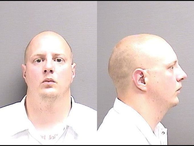 "ANDERSON, THOMAS ALDEN Age 37, white, 5'10"", 171 pounds,"