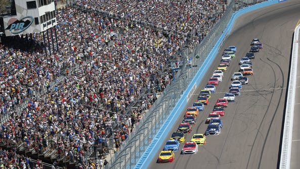 The Camping World 500 begins at Phoenix International