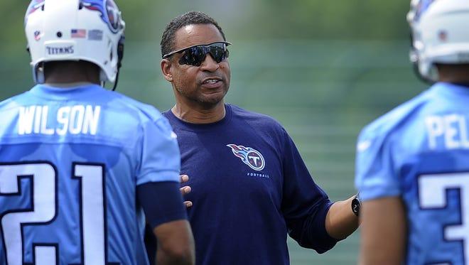 Titans defensive coordinator Ray Horton.