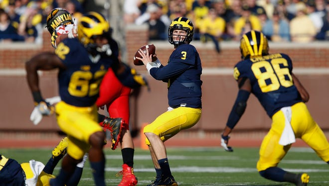 Michigan Wolverines quarterback Wilton Speight looks for an open receiver during the first half against the Maryland Terrapins on Nov. 5, 2016