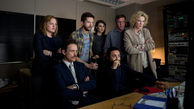 """Elisabeth Moss (from left), David Lyons, Topher Grace, Natalie Saleeba, Dennis Quaid, Adam Saunders and Cate Blanchett in a scene from """"Truth."""""""