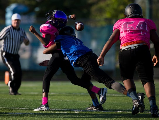 Team Tampa and Team Dade face off during the FBU Sixth