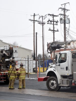 A power line that caught fire at 300 N. 4th St. created problems for area residents as power went out for more than 1,500 residents in Lebanon.