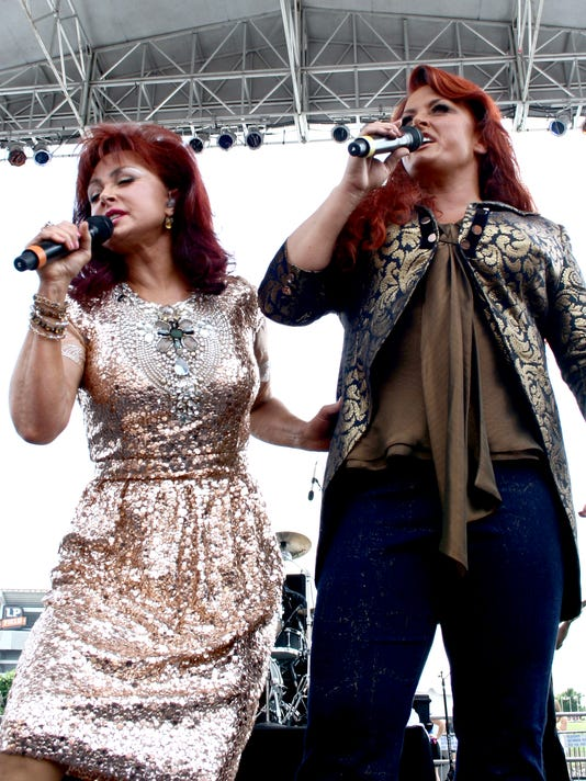 Judds kick off fest, announce tour
