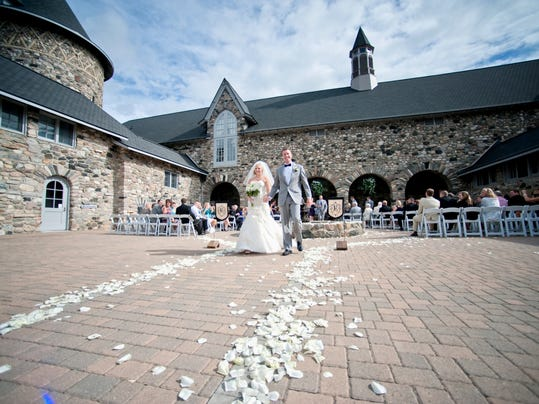 To marry in michigan pick a destination wedding spot