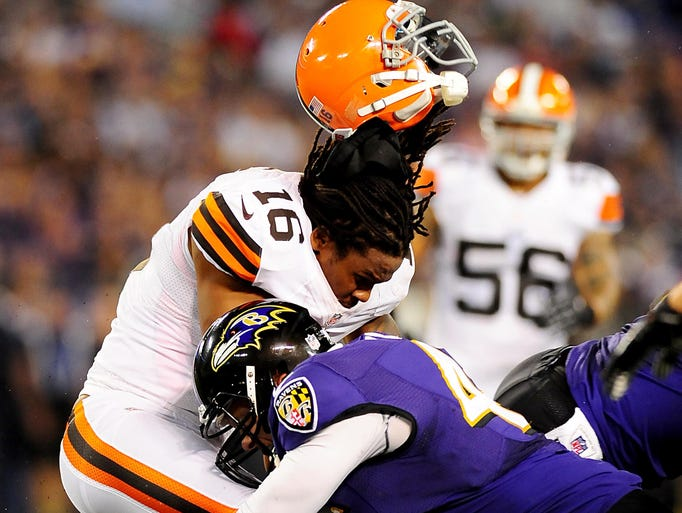 concussion and player Concussion watch league of denial sources: nfl injury reports football outsiders latest update: jan 25, 2015 reported by jason m breslow.