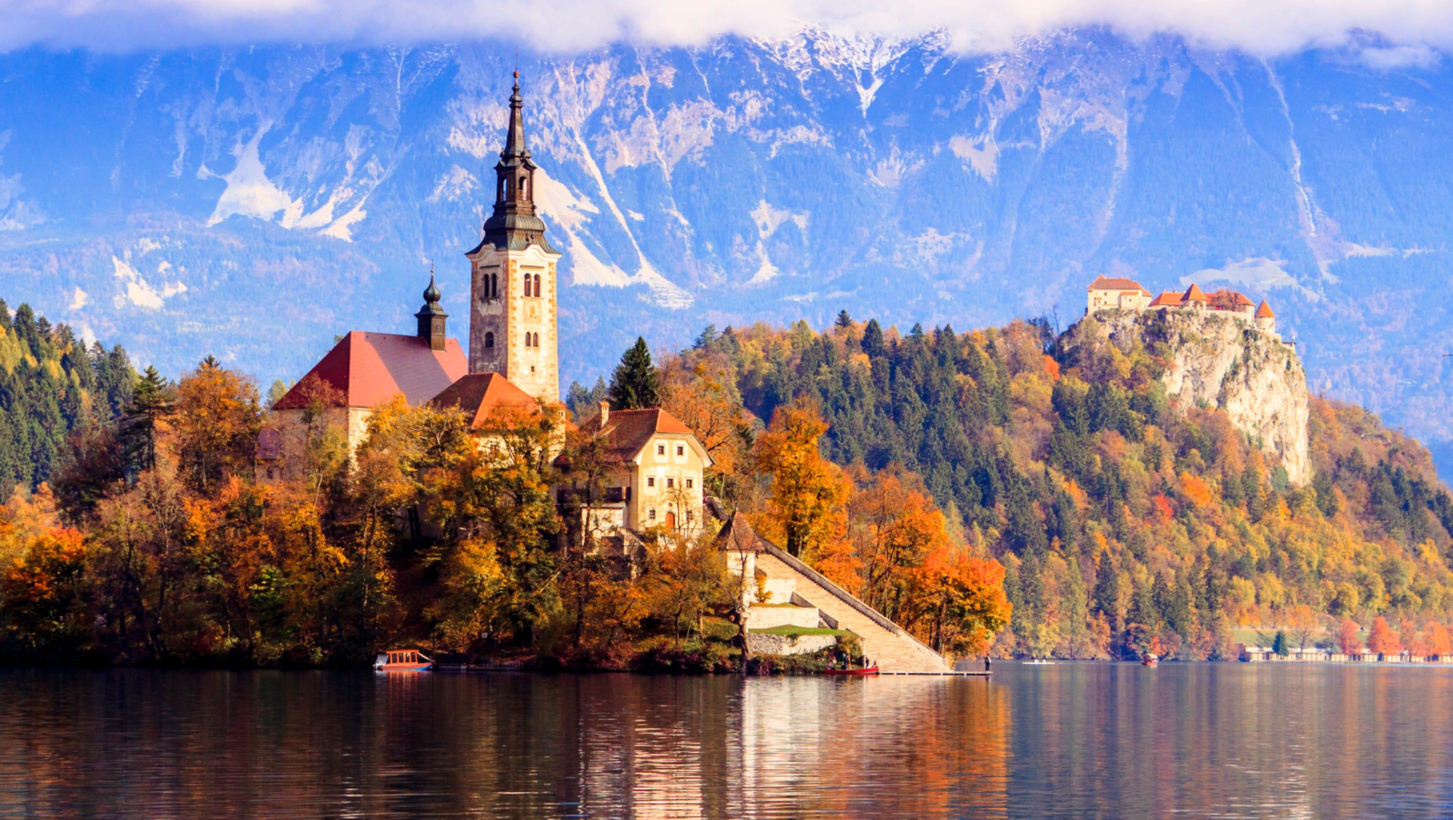Worlds Beautiful Houses: Beautiful Churches Around The World