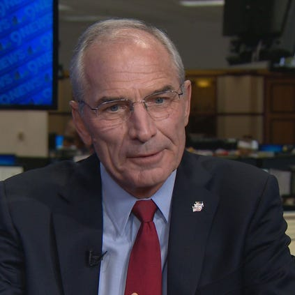 Republican gubernatorial nominee Bob Beauprez is clarifying a remark he made about sending the Colorado National Guard to the Mexican border.
