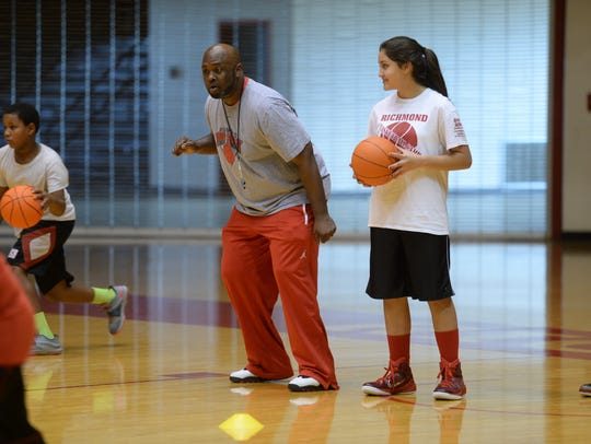 Richmond High School basketball hosts a camp for young