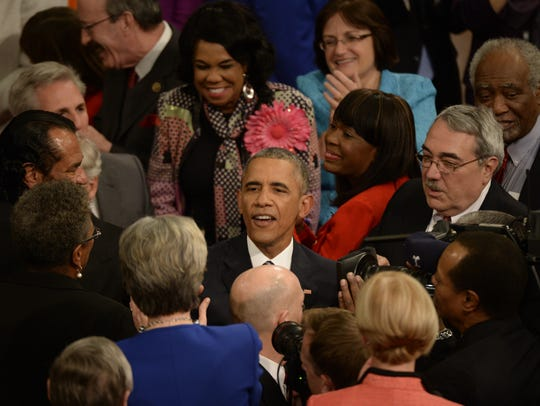 President Obama greets members of Congress before his