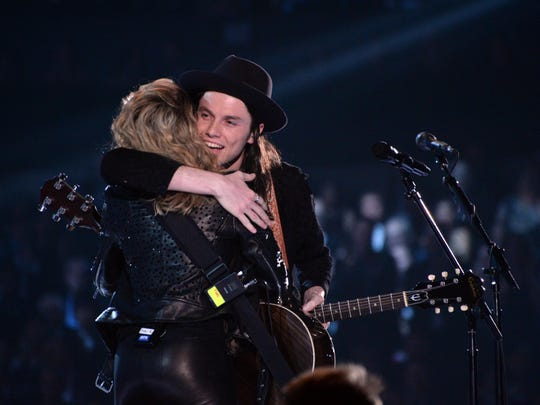 Best new artist rivals Tori Kelly and James Bay share