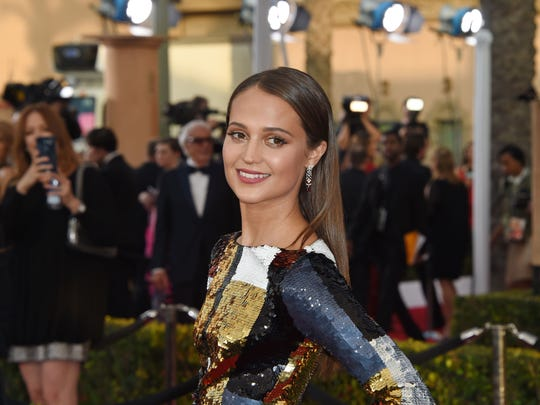 Alicia Vikander is favored for best supporting actor.