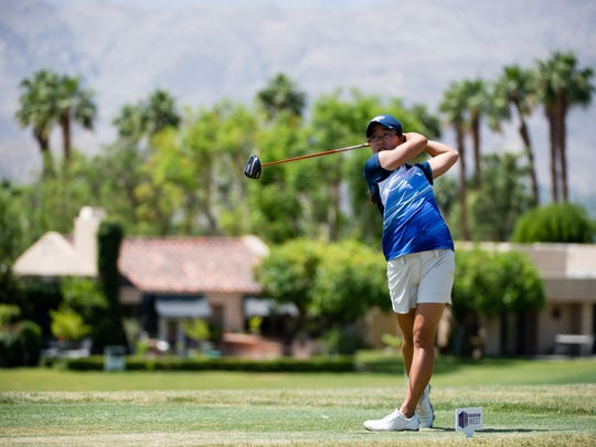 Caryn Khoo competes in the 2015 MW Championships, where she finished tied at 11th along with her sister, Celyn.