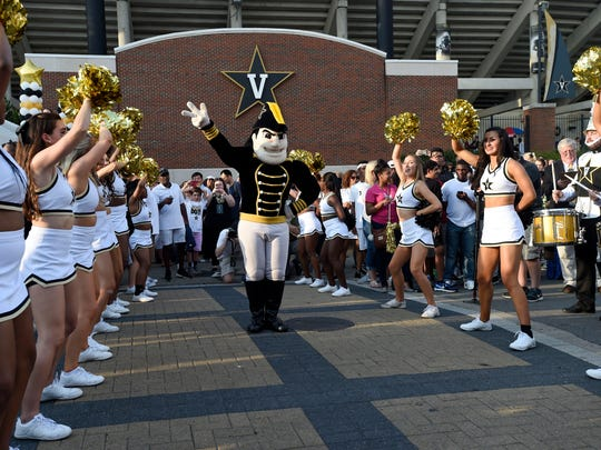 Vanderbilt cheerleaders line up at Star Walk before
