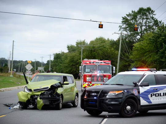 An accident involving a Kia Rio and a Dodge Citadel at the   intersection of Roxanna Rd. and Burbage Rd. in Ocean View. Oct. 5, 2016.