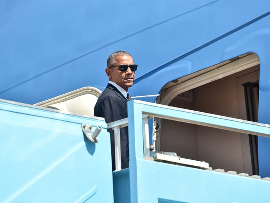 President Obama boards Air Force One at Ben Gurion