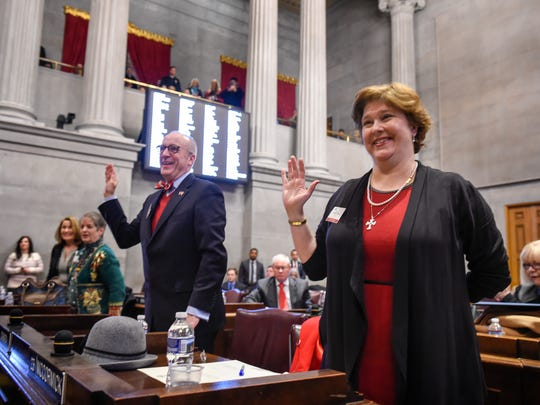 Electoral Collage members Tom Lawless and Beth Amos are sworn in before casting their vote on Monday, Dec. 19, 2016 at the Tennessee House of Representative Chamber in Nashville, Tenn.