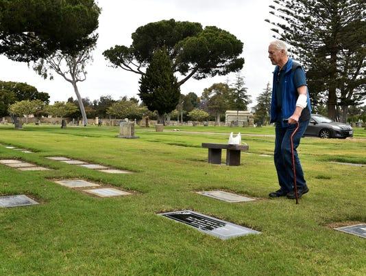 Forgotten-graves5.JPG